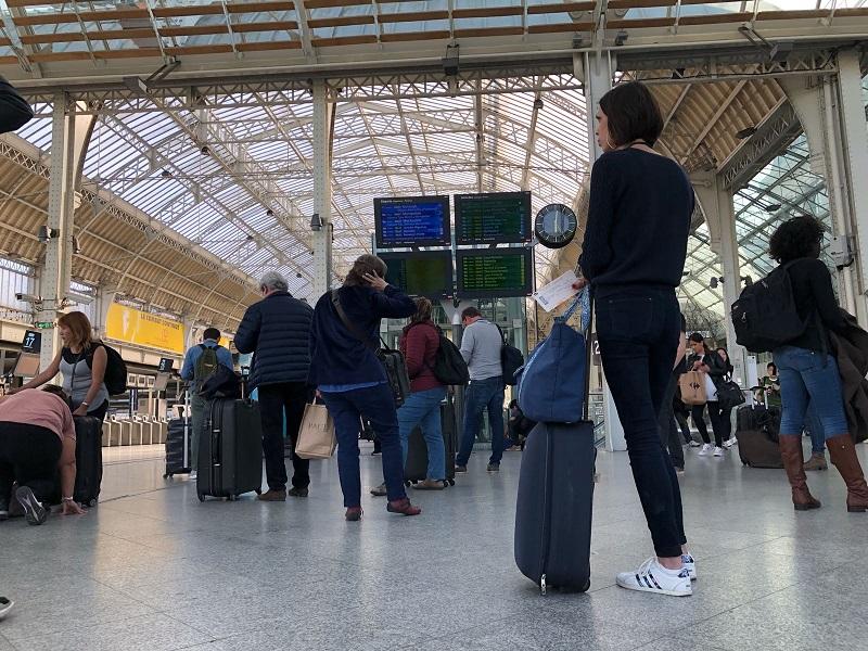 Selon Odoxa, les français ne soutiennent pas la grève SNCF - photo TourMaG JdL