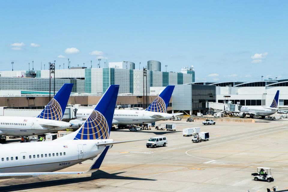 L'un des premiers transporteurs aériens au monde, United Airlines, voit son image entachée auprès du grand public © DR FB United