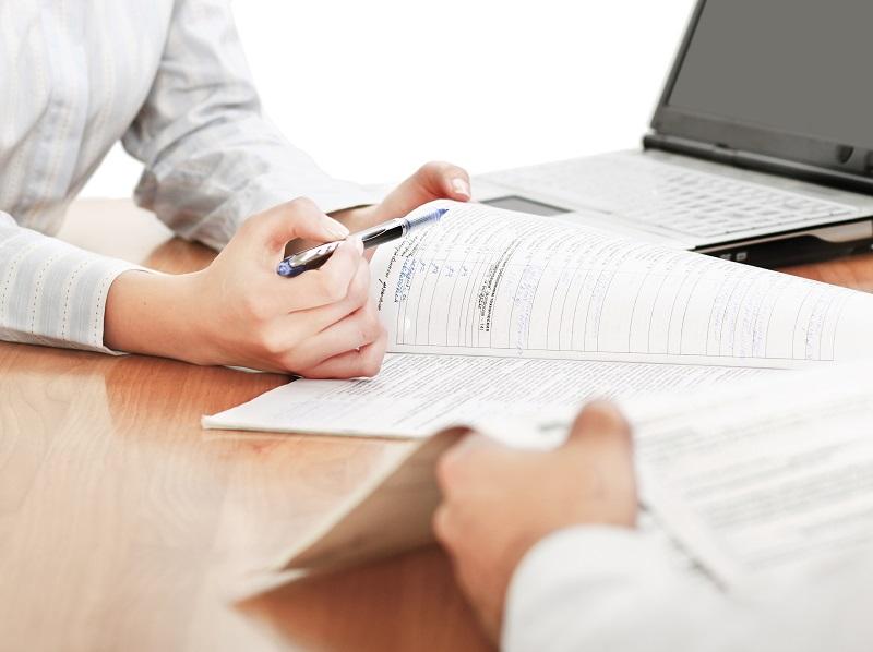 """Pour 85% des travel managers interrogés, """"la recherche d'économies supplémentaires"""" figure dans le top 3 des priorités pour l'année à venir © lenets_tan - Fotolia.com"""