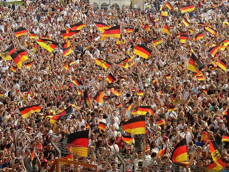 Les supporters allemands seront nombreux à se rendre en Russie pour la Coupe du monde de football - crédit :  Arne Müseler Wikicommons (coupe du monde fifa 2006)