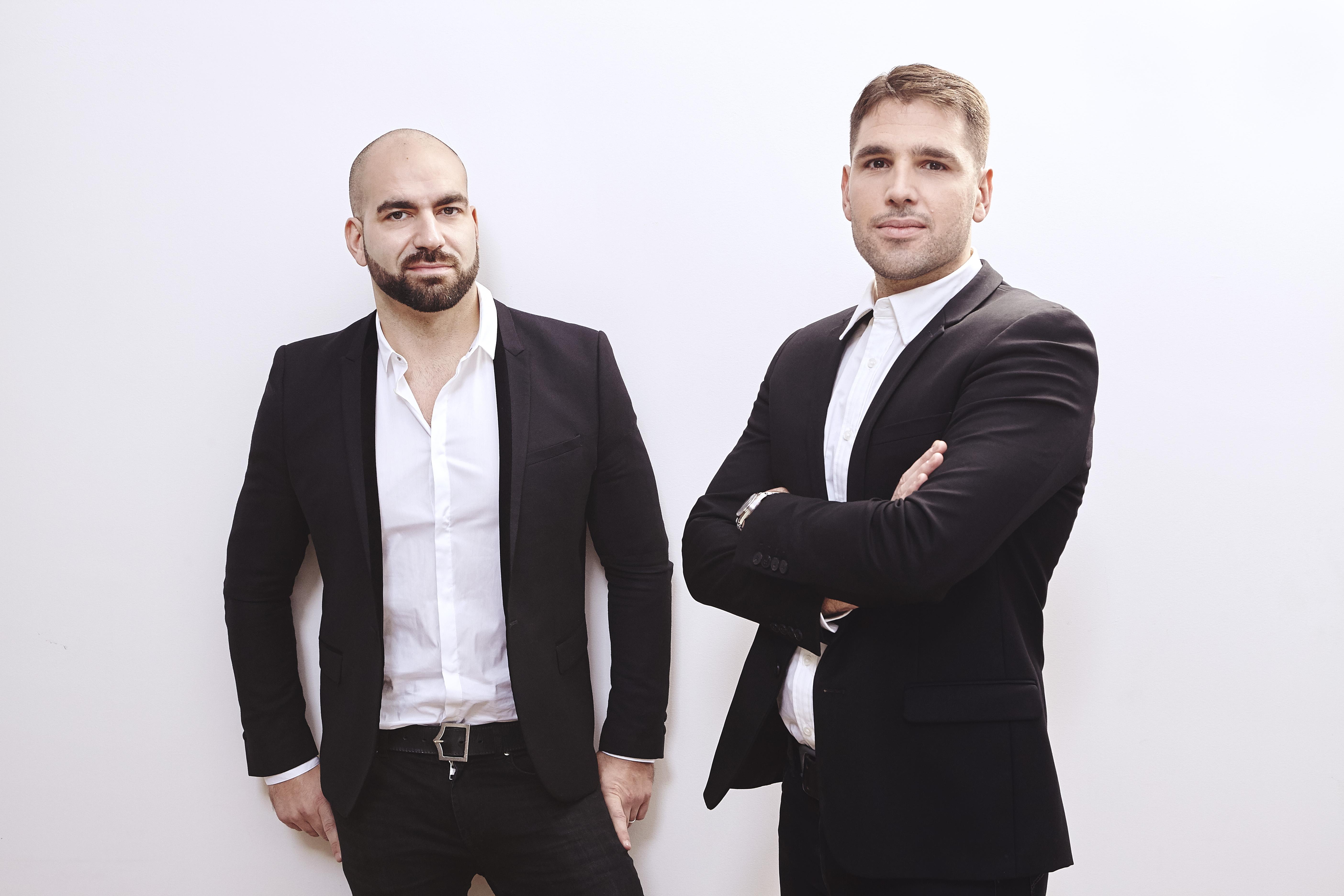 """Alexandre Martucci et Aurélien Boudier ont créé en 2010 Crazy EVG, spécialisé dans l'organisation d'enterrements de vie de garçons. Aujourd'hui, le groupe Crazy Voyages atteint les dix millions de chiffre d""""affaires. - DR"""