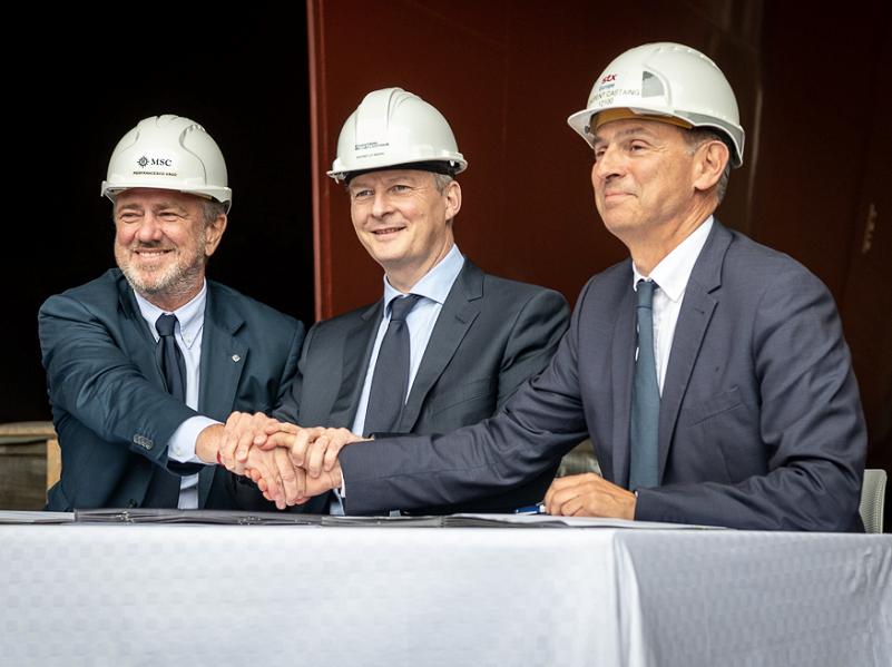MSC Croisières et STX France ont signé un nouveau contrat en présence du ministre Bruno Le Maire - Photo : MSC