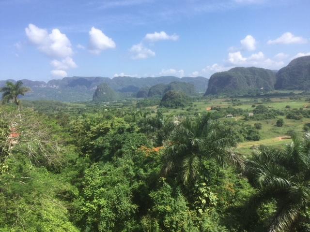 La vallée de Vinales,  «Baie d'Ha Long terrestre» - DR : J.-P.C.