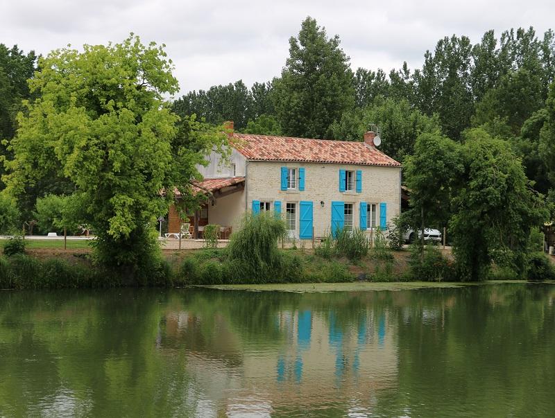 Le marais poitevin, à cheval entre la Vendée, les Deux-Sèvres et la Charente-Maritime, est surnommé la « Venise Verte » - DR : J.-F.R.