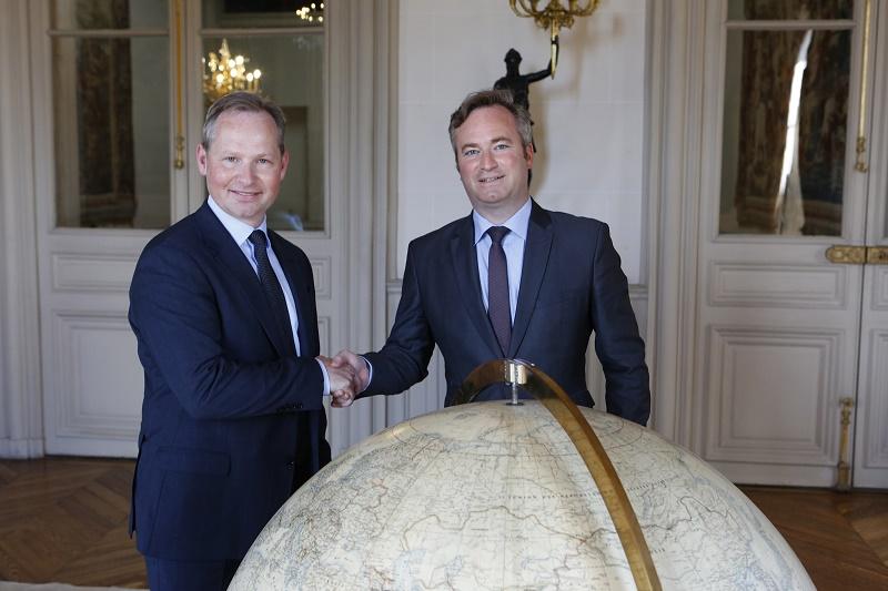 Mark Okerstrom, PDG d'Expedia Group et Jean-Baptiste Lemoyne, secrétaire d'Etat auprès du Ministère de l'Europe et des Affaires étrangères - DR