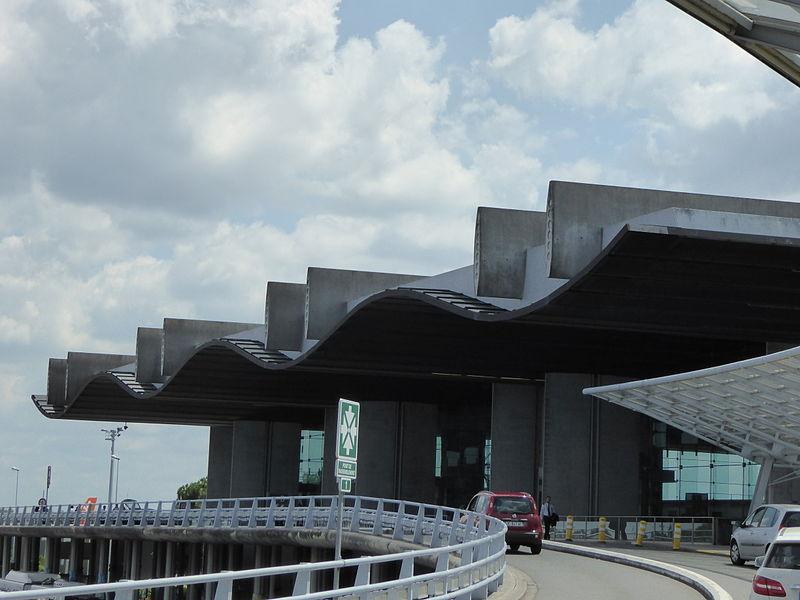 L'aeroport de Bordeaux Mérignac affiche des réssultats positifs - crédit photo : Ardfern wikicommons