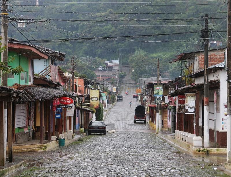 L'image du Salvador en Europe reste celle d'un pays instable, bien qu'en dépit de la présence toujours malsaine de gangs urbains (les fameux maras), il soit désormais pacifié - DR : J.-F.R.