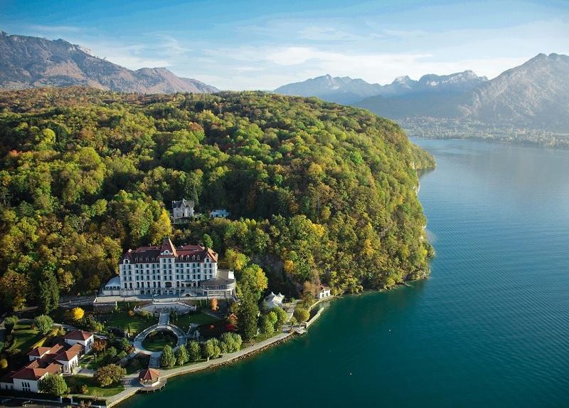 Le groupe Buildinvest annonce la cession du Palace de Menthon, hôtel 5* sur le Lac d'Annecy au groupe hôtelier Lavorel Hotels - DR