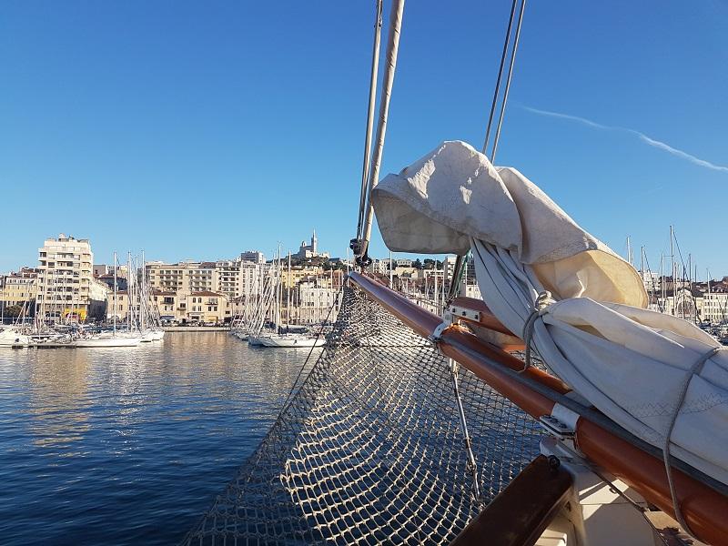 Depuis le soleil de Marseille, TourMaG.com vous fait la bise et part en vacances ! - crédit photo : TourMaG.com