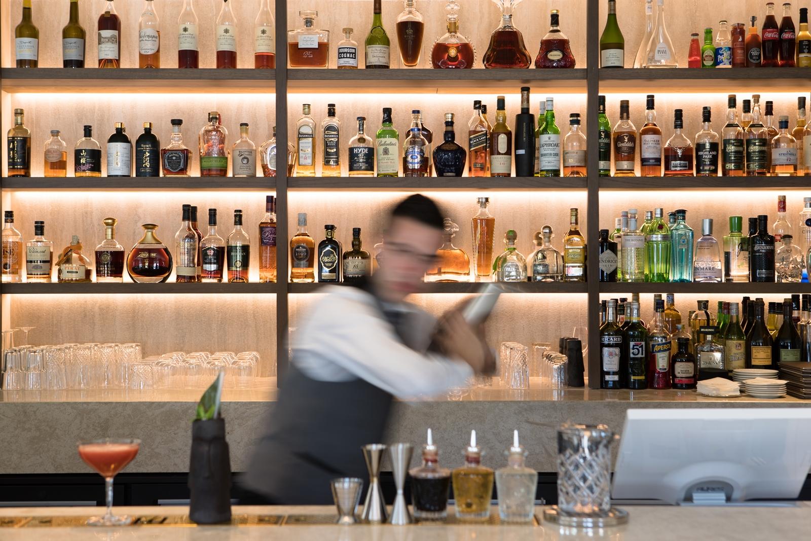 Une énergie fraîche et fougueuse s'empare du nouveau Bar de l'Hôtel & Spa du Castellet /crédit photo H&Spa du Castellet