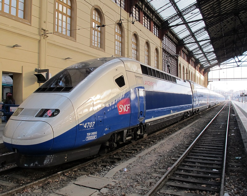 Un TGV en gare Saint-Charles à Marseille - Photo AB TourMaG.com
