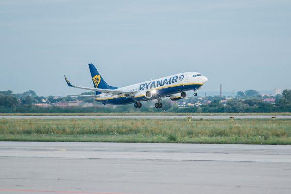 Ne reculant devant aucun sacrifice pour peaufiner au mieux sa communication, la low cost nous assure qu'en rendant son bagage cabine payant, les voyageurs font en plus des économies ! - DR Ryanair