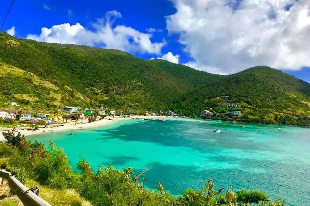 Durement touchées, en septembre 2017 par les ouragans Irma et José, les îles Vierges Britanniques souhaitent reprendre leur place sur le marché touristique. Le British Virgin Islands Tourist Board souhaitent accueillir 10 000 touristes français en 2020. - BVI