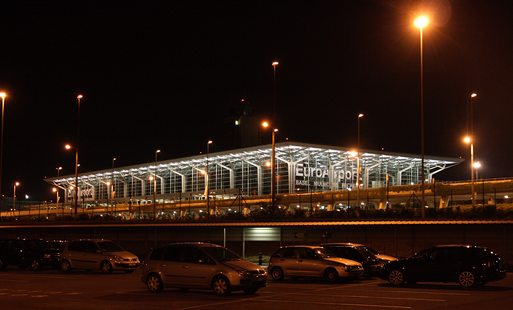 L'EuroAirport de Bâle-Mulhouse : 7e aéroport français et 3e aéroport suisse © Nomoco Wikimedia Commons