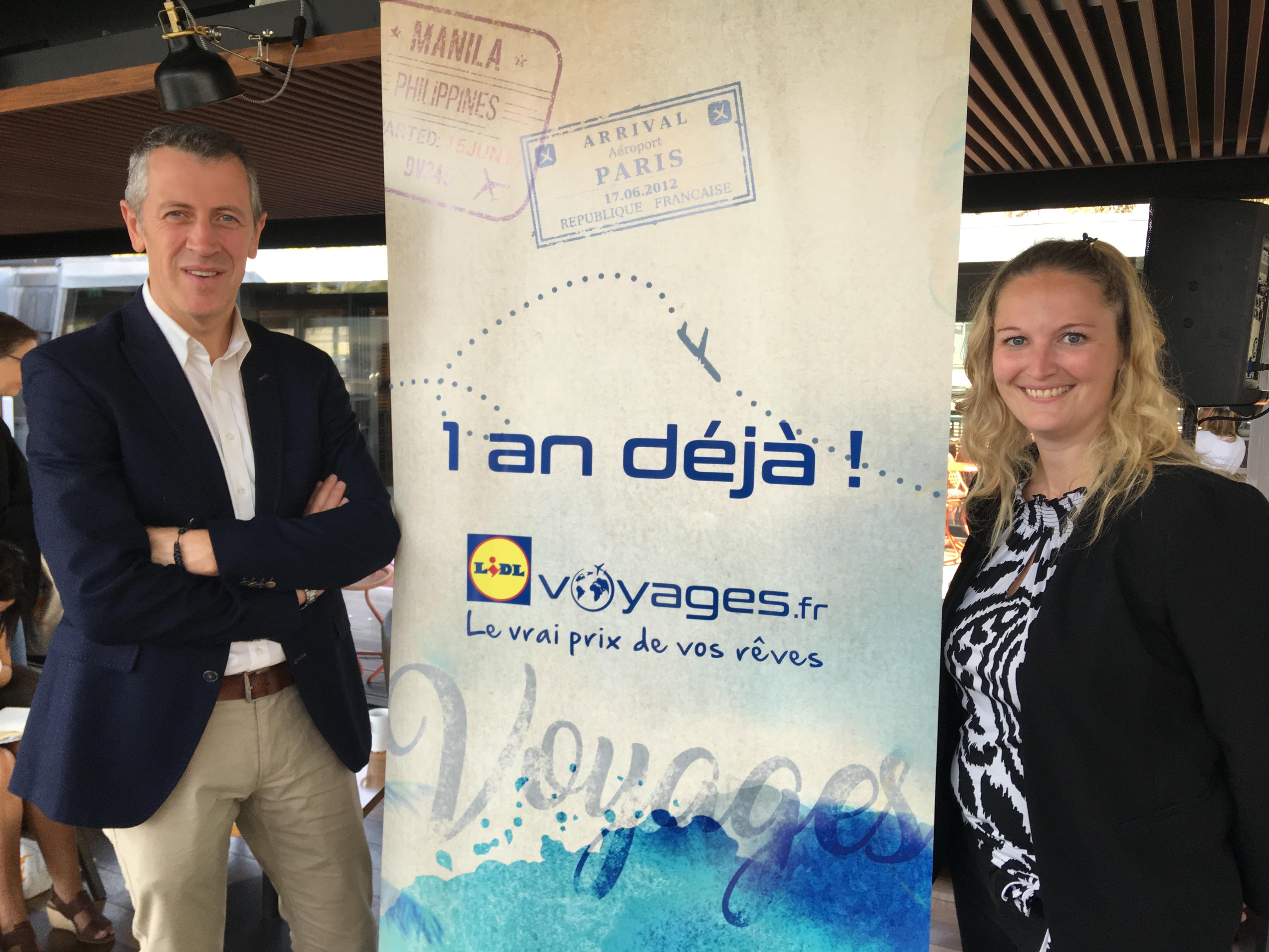 Michel Biero, directeur exécutif achats et marketing et Mélanie Lemarchand, la responsable de Lidl Voyages fête le premier anniversaire de Lidl Voyages. - CL
