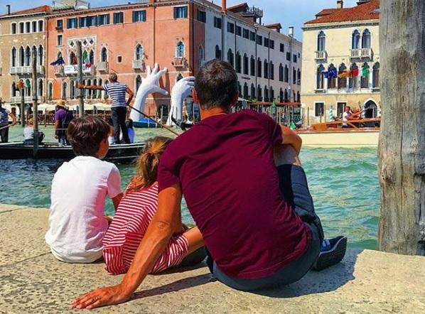 Bientôt les touristes ne pourront plus s'asseoir sur les quais ou ailleurs dans Venise - Crédit photo : compte Instagram @prendre_le_temps