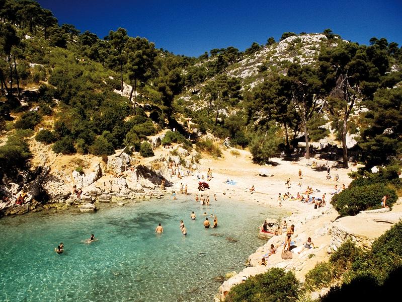 Le parc des calanques à Marseille s'appuie sur la data pour réguler le flux de touristes - crédit photo : Parc National des Calanques