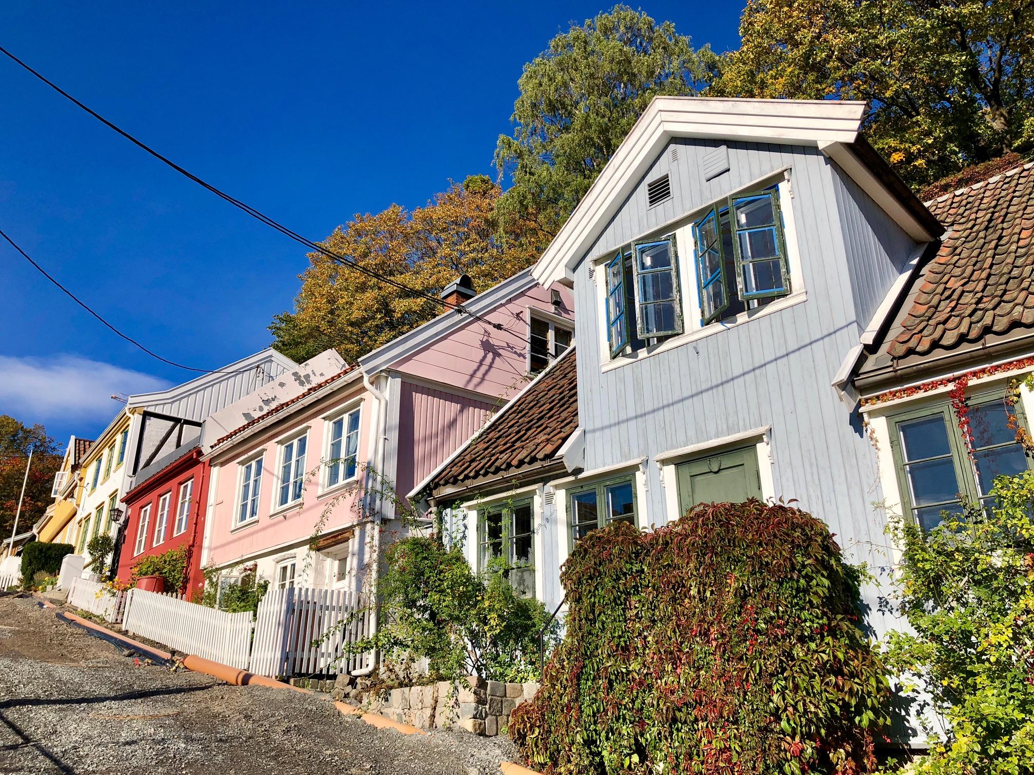 Les façades des petites maisons traditionnelles de Damstredet /crédit photo JDL