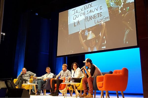 Les 5 participants ont fait face à un public sensible à la cause, mais pointant du doigt les limites du projet - Crédit photo : RP