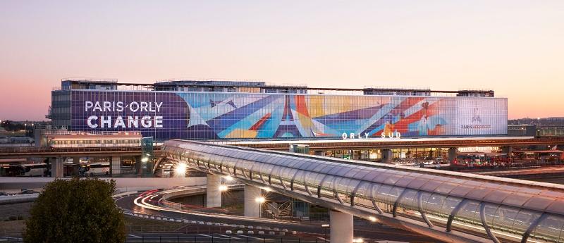 Fresque monumentale de l'artiste italien Ray Oranges sur la façade de l'aéroport d'Orly-Sud - DR Crédit Bruno Pellarin pour Aéroports de Paris SA