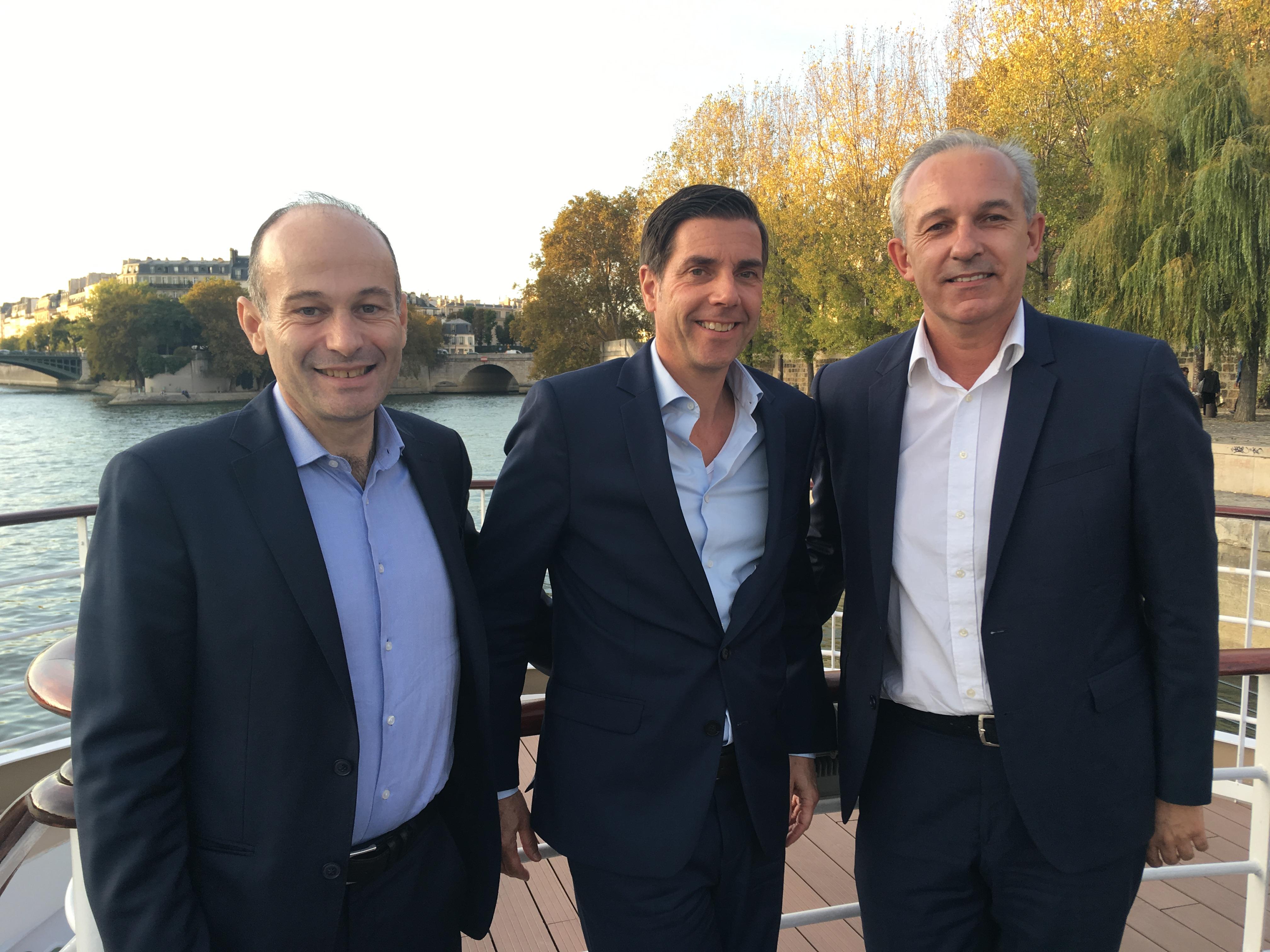 Au centre, Frank Wöller, directeur Retail Travel Agents pour l'Europe Continentale, à droite, Patrice Vales et Stéphane d'Amécourt, directeurs régionaux du marché français - DR : CL