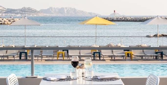 Entièrement repensé, l'ancien Palm Beach a rouvert ses portes, changeant par la même occasion de nom pour devenir le nhow Marseille - Crédit photo : nhow Marseille
