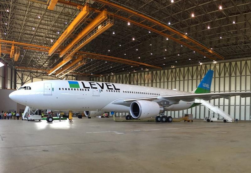 La desserte de ces 4 destinations est assurée par deux Airbus A330-200 neufs, basés à Paris-Orly et configurés pour accueillir 21 passagers en classe Premium et 293 en classe Economie - DR Level Facebook
