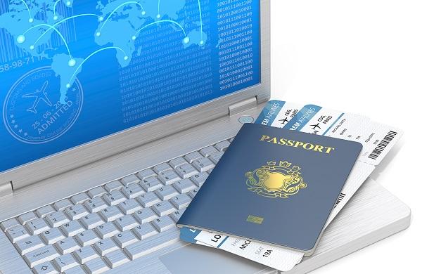"""""""Indirectement IATA...va se passer des agences de voyages"""" Michel de Blust (Ectaa) - Crédit photo : Depositphotos @JohanH"""