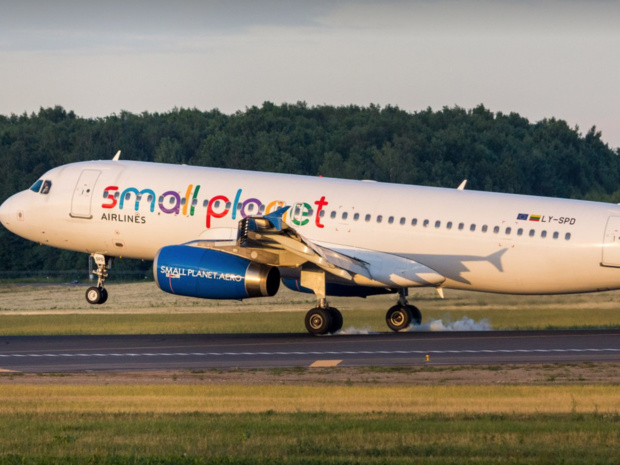 Il est fortement conseillé à chaque professionnel de se tenir bien informé de la situation financière des compagnies aériennes vendues © Small Planet Airlines, Facebook