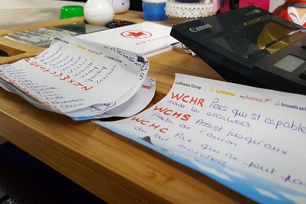 Les antisèches des conseillers de réservation - Crédit photo : RP