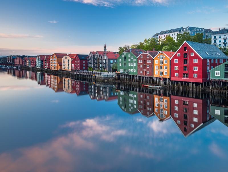 """Le challenge porte sur les croisières 2019 """"Destination Soleil de Minuit"""" et """"Du Spitzberg aux fjords de Norvège"""" - © K. Aage Dahl/Visitnorway.com"""