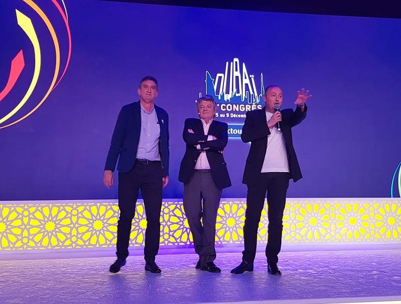 Jean-Louis Borloo, invité du congrés Selectour à Dubaï. A ses côtés Valéry Muggeo et Laurent Abitbol - Photo CE