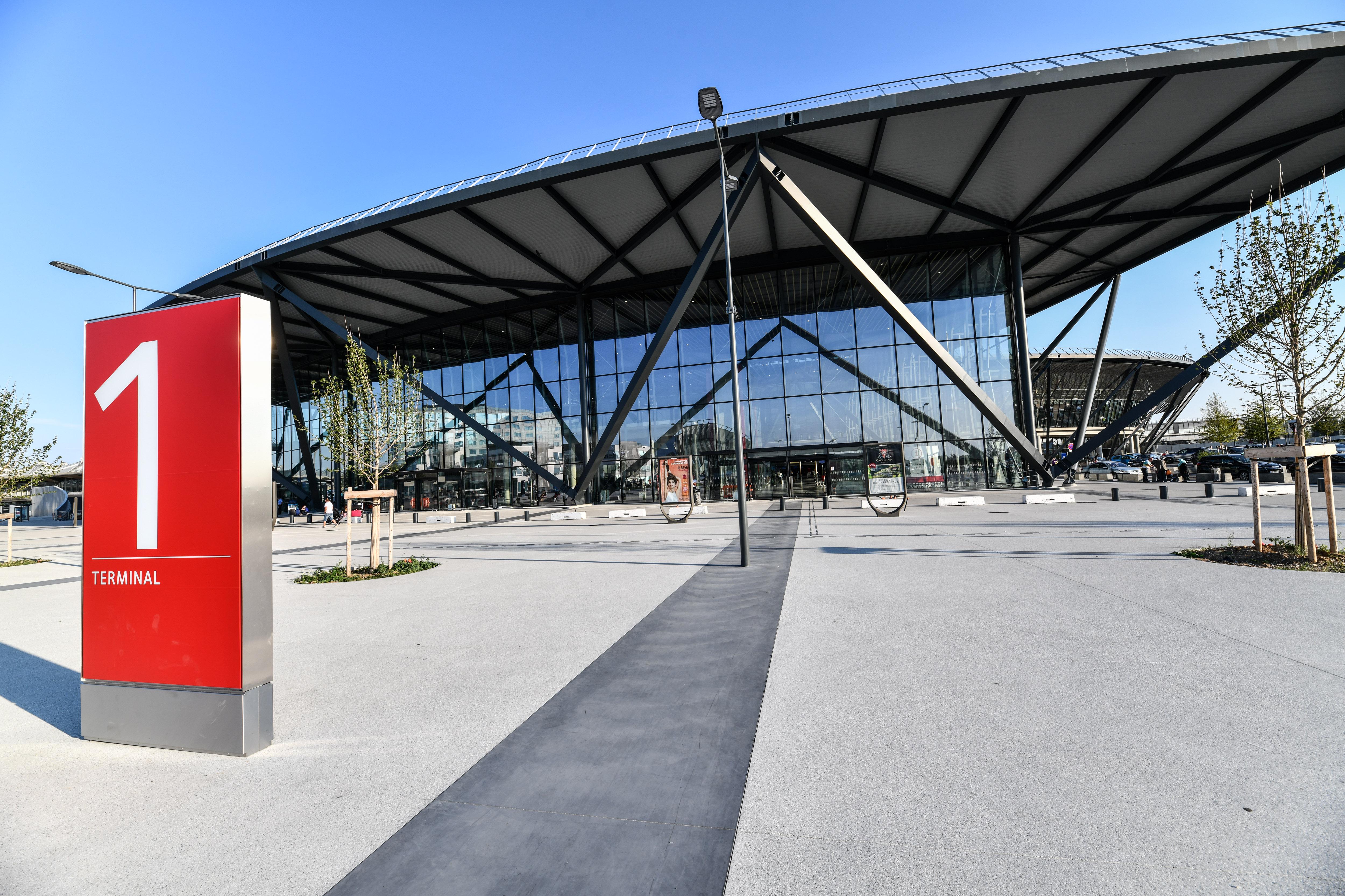 Le nouveau terminal 1 de Saint-Exupéry permet théoriquement à l'aéroport de recevoir 15 millions de passagers annuels ©EricSoudan