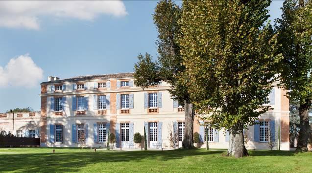 Le Château de Drudas, classé aux monuments historiques, est une demeure datant du XVIIIème siècle. Les propriétaires Jean et Françoise Rossi ont rénové entièrement le bâtiment dans le respect du style de l'époque - DR : Relais & Châteaux
