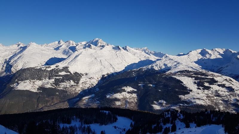 Les clients du Belvédère bénéficient d'une vue à 180 ° sur la vallée de la Tarentaise et le Mont Blanc