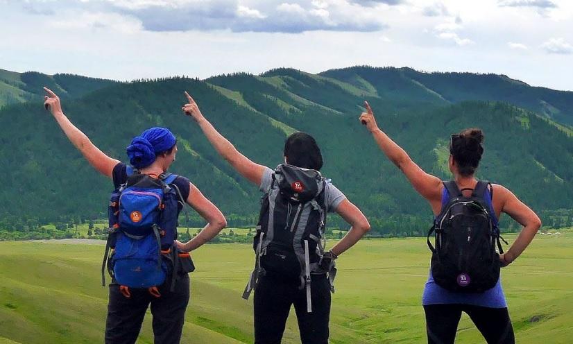 Amoureux de la randonnée et du voyage, Terres d'Aventure recrute sur de postes liés à la vente, la production et le service client. - Terres d'Aventure