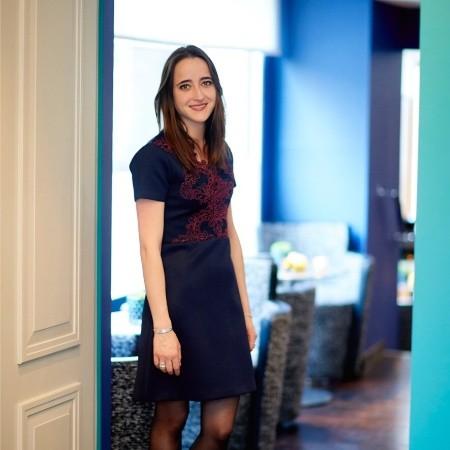 Fanny Ravailler est welcomer au Pullman Paris Tour Eiffel - LinkedIn