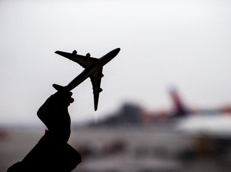 Dernièrement s'est posée la question de l'éligibilité des passagers aux compensations lors d'un retard suite à un transporteur ne possédant pas les autorisations requises pour voler. - Depositphotos d.travnikov