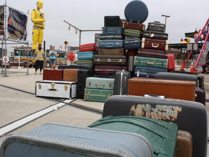 Au Québec, tout ce qui touche à la géopolitique est couvert, et même si les bagages sont perdus - crédit photo : Paul Iwanco (creative commons)