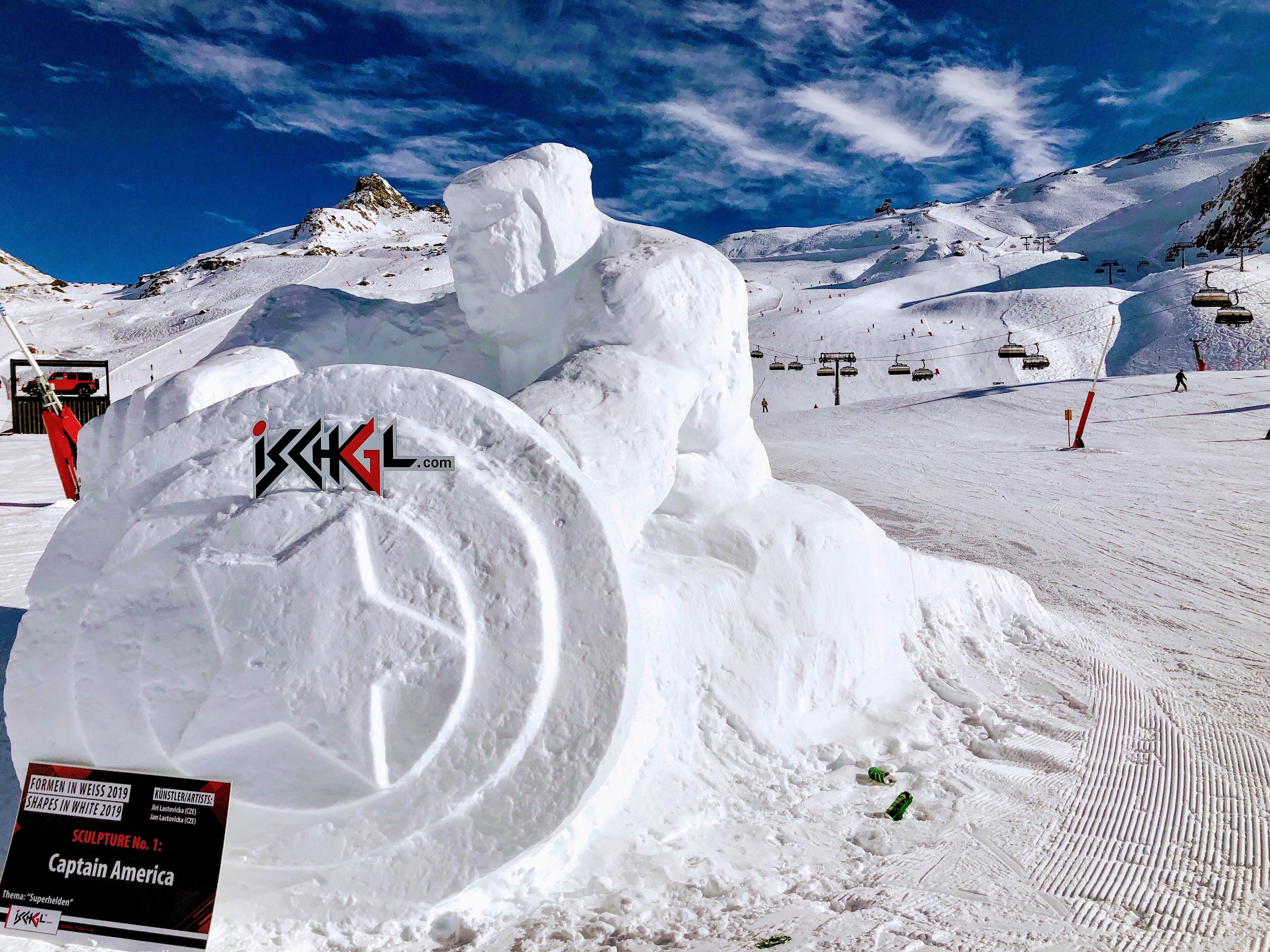 Chaque année, un concours de sculptures de neige anime les pistes - DR : JDL