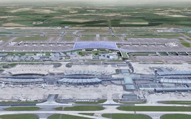 Vision d'architecte du nouveau Terminal 4 de Roissy (au second plan). Au premier plan, l'actuel terminal 2 © ADP