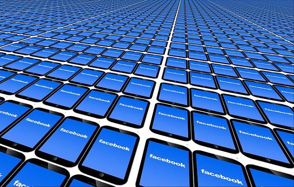 """Facebook, malgré les scandales, les internautes n'ont pas """"encore"""" fui le réseau social - Crédit photo : Pixabay, libre pour usage commercial"""