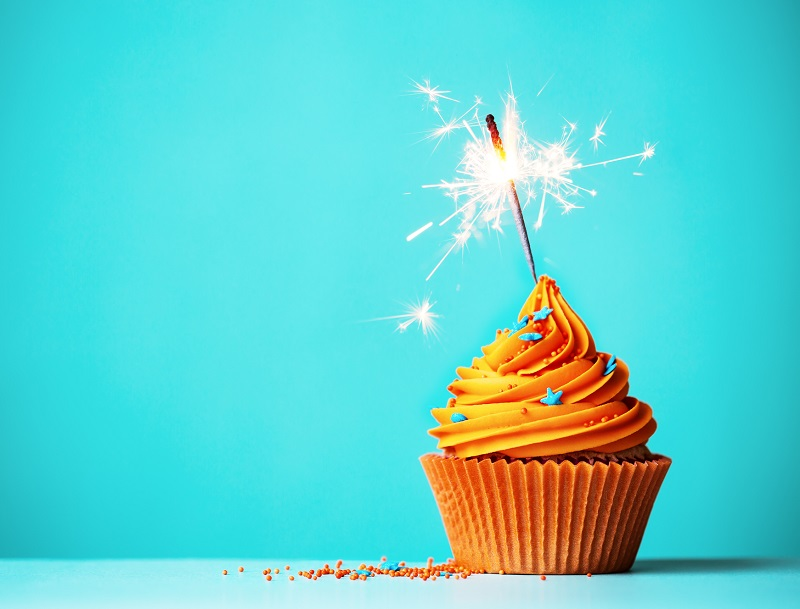 Pierre Doulcet, grand patron de la presse professionnelle, fête ses 90 ans aujourd'hui. Toute l'équipe de TourMaG.com lui souhaite un bon anniversaire - DR : DepositPhotos, RuthBlack