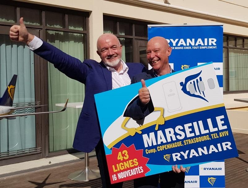 David O'Brien, directeur commercial de Ryanair était présent à Marseille pour présenter les nouvelles destinations du programme 2019. Ici, avec Philippe Bernand, président du directoire de l'aéroport Marseille Provence - DR : A.B.