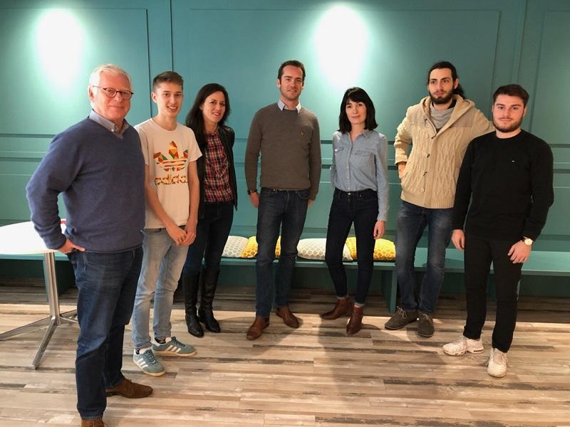 L'équipe oohee avec 3 des 4 co-fondateurs : à gauche Etienne Poirot-Bourdain (CEO), au centre Albéric Etienne et Hélène Antier. - DR Alexis Babin.