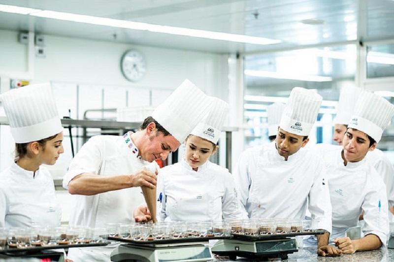 L'Ecole hôtelière de Lausanne (EHL) arrive en tête du classement des meilleures formations dans la catégorie management hôtelier selon le QS World University Ranking révélé le 27 février 2019. - DR EHL