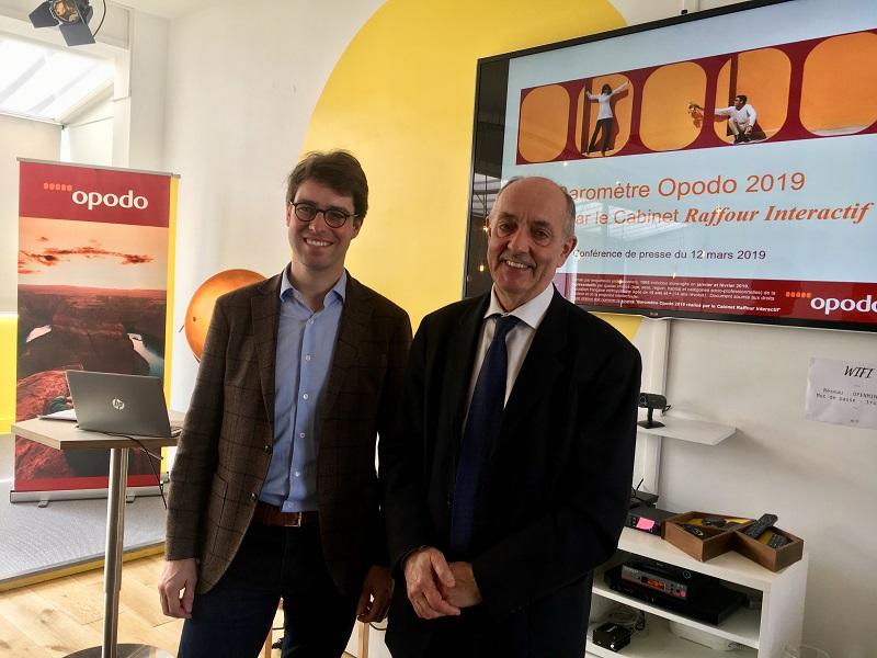 Benoît Crespin, directeur général d'Opodo France et Guy Raffour, fondateur du cabinet d'études Raffour Interactif, auteur du baromètre. - CL