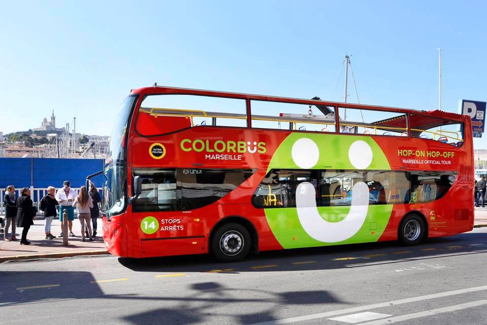 Les bus Colorbus desservent 14 spots correspondants aux lieux emblématiques de Marseille - Photo marseille-tourisme.com