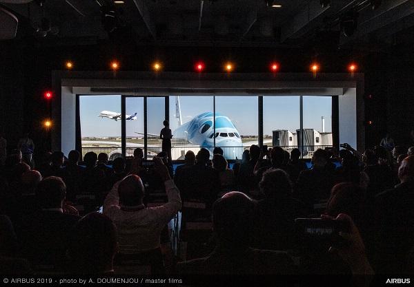 ANA reçoit son premier A380 avec une livrée en hommage à Hawaï - Crédit photo : Airbus