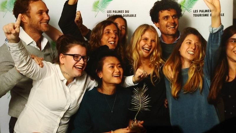 L'équipe de Double Sens, en décembre 2018, lauréat des Palmes du Tourisme Durable. - DR Double Sens